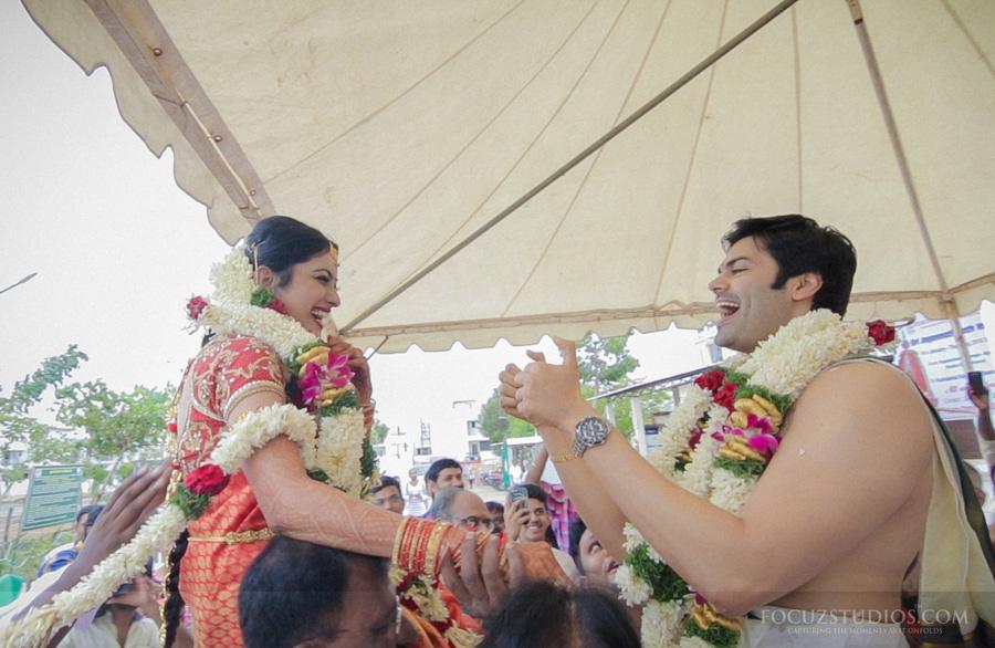 Maalai matruthal the exchange of garlands brahmin wedding rituals photo stills