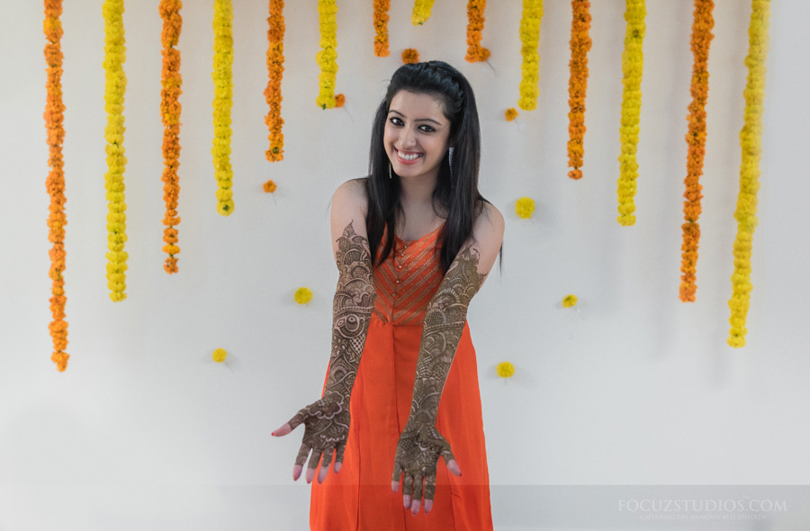 ganesh venkatraman nisha krishnan wedding mehandi photos stills