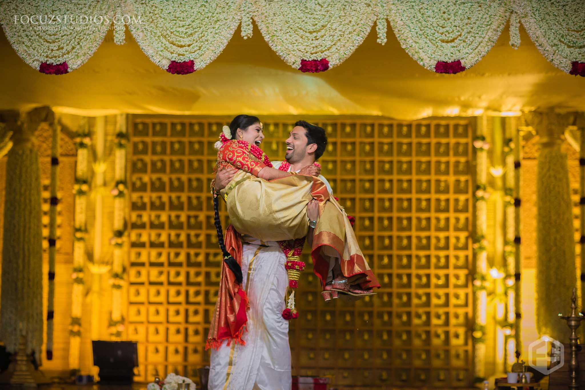 south-indian-wedding-couple-photography-11