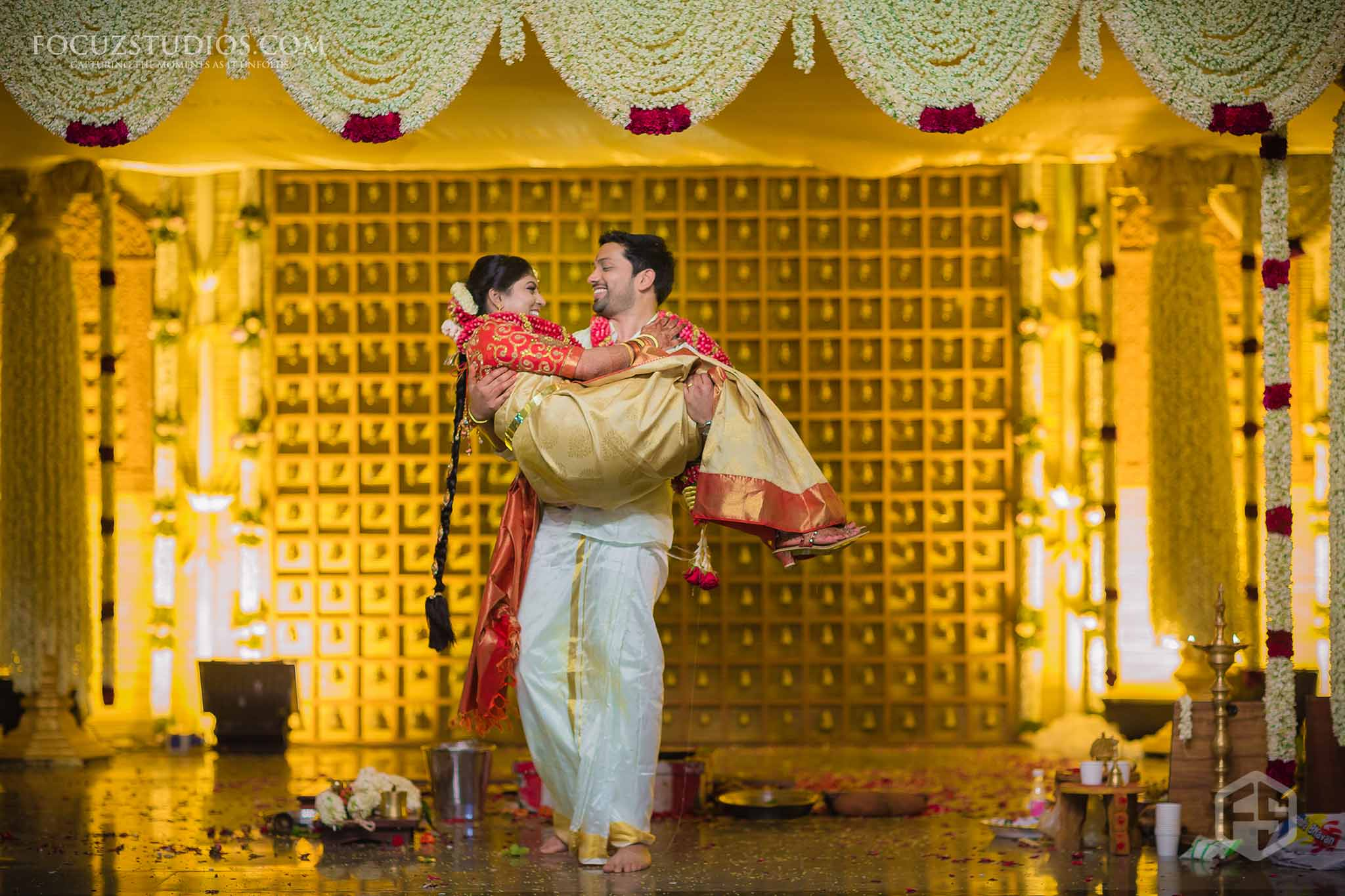 south-indian-wedding-couple-photography-12