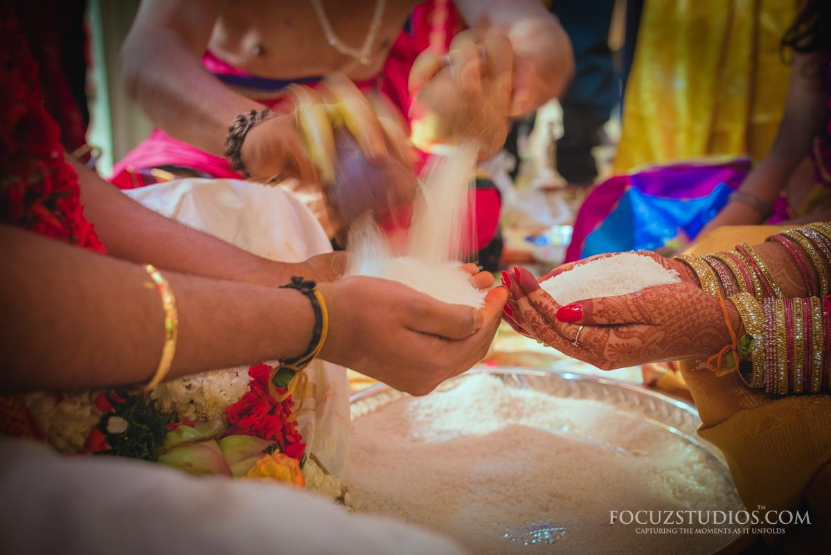 Akshitalu-Talambralu-telugu-wedding-rituals-1