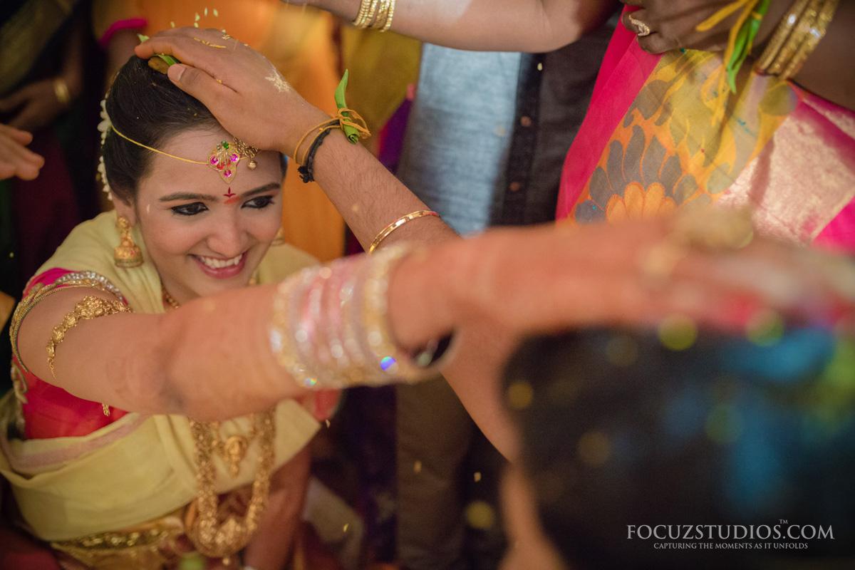 Jilakarra-Bellam-and-Maadhuparkam-telugu-wedding-rituals-3