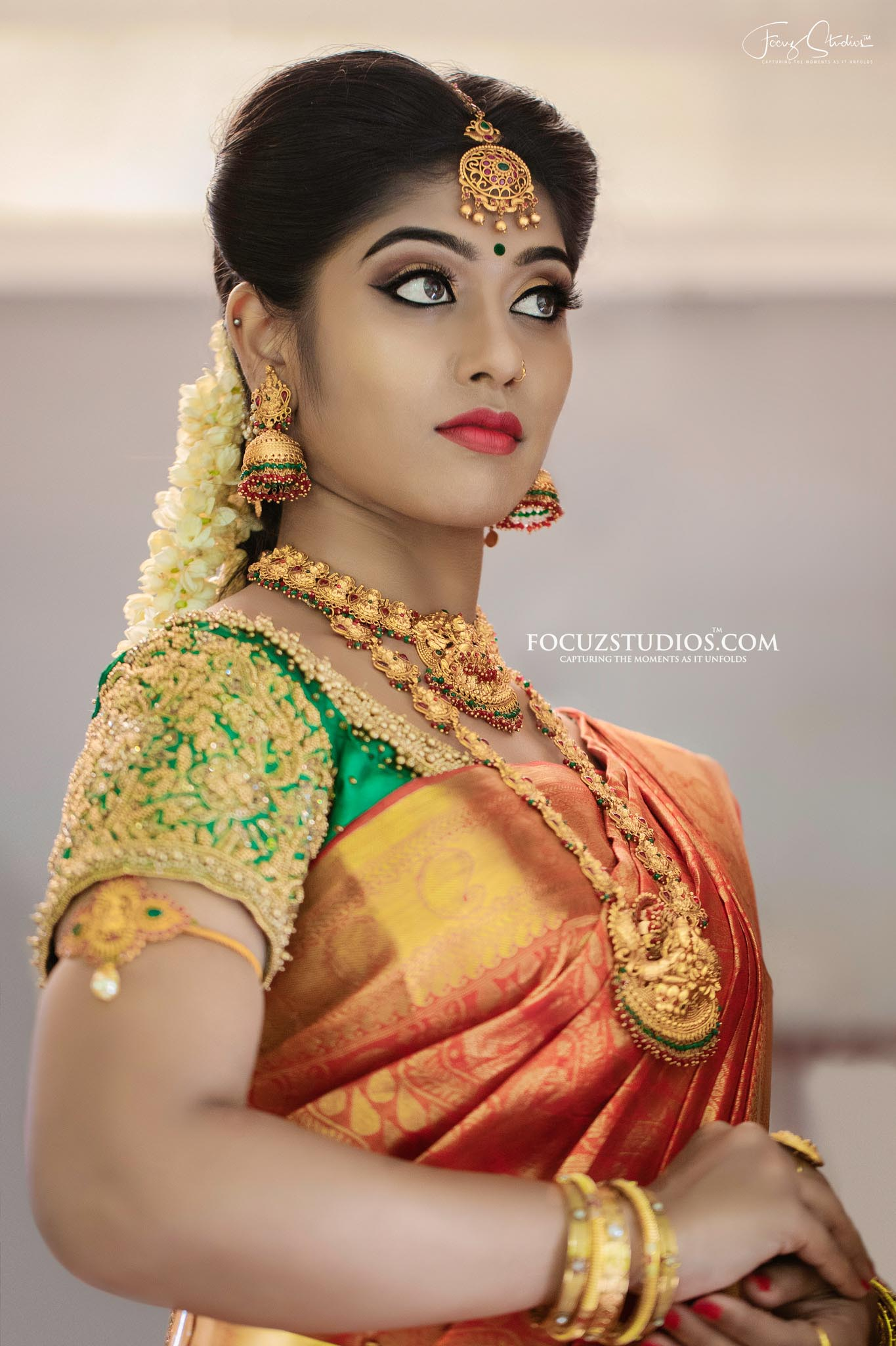 best-south-indian-bridal-portrait-poses-focuz-studios-1