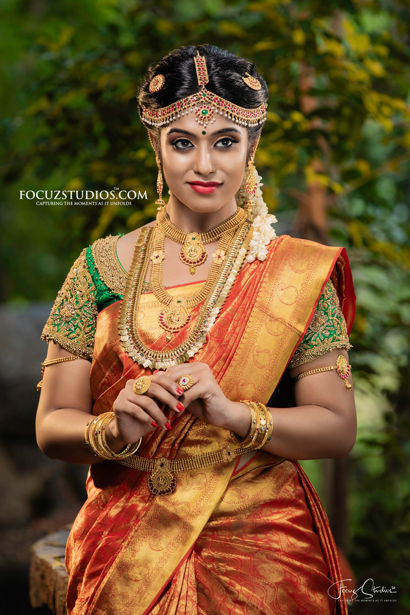 best-south-indian-bridal-portrait-poses-focuz-studios-4